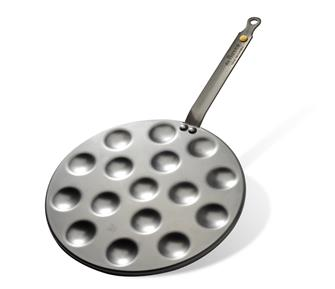 Pan for 16 mini blinis with beeswax coating